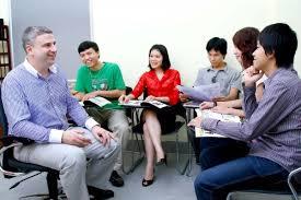 170 câu giao tiếp tiếng Anh phổ biến giúp bạn giao tiếp tốt hơn với người bản xứ và có sự chuẩn bị về từ ngữ tốt hơn, đem lại niềm vui cho mọi người.