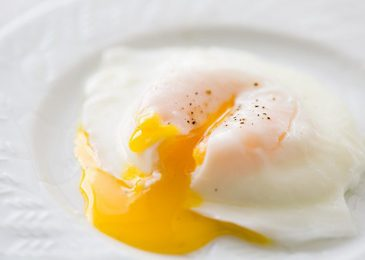 Poached eggs: trứng chần