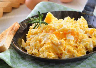 Scrambled eggs: trứng chưng