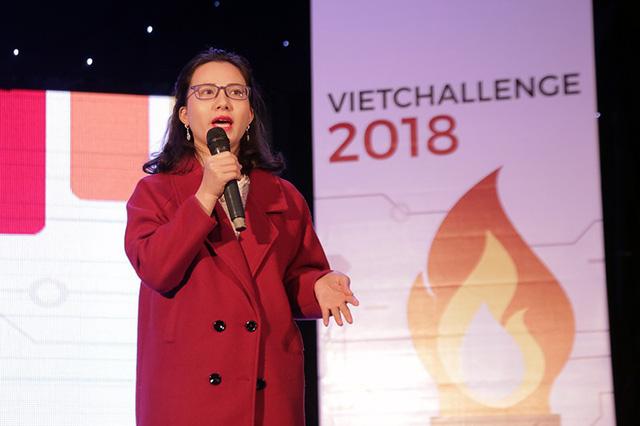 Phan Kiều Trang – cô giáo dạy tiếng Anh miễn phí cho hàng triệu người Việt tự tin thuyết trình về nền tảng dạy và học tiếng Anh của mình